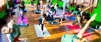 200 Hour Yoga Teacher Training in Rishikesh RYS200 ( April)