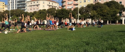 Relaxing Yoga in Alameda Park
