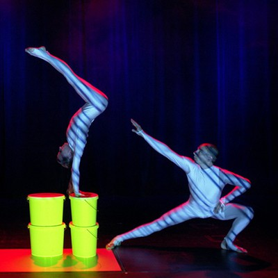 Video animation & acrobatics by Anna Conti